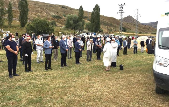 AK Parti Erzurum İl Başkan Yardımcısı Yaylalı, son yolculuğuna uğurlandı